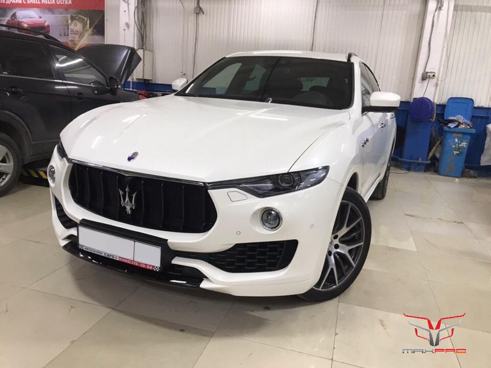 Maserati Levante на ремонте вмятин