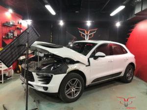 Ремонт капота Porsche Macan