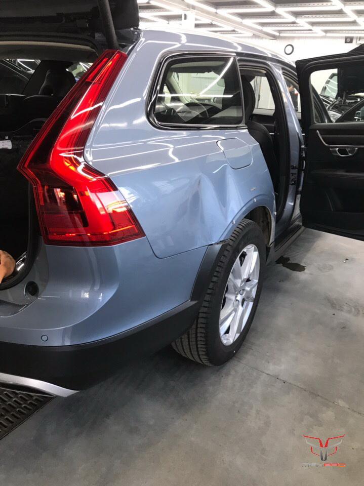 Вмятина на заднем крыле Volvo V90