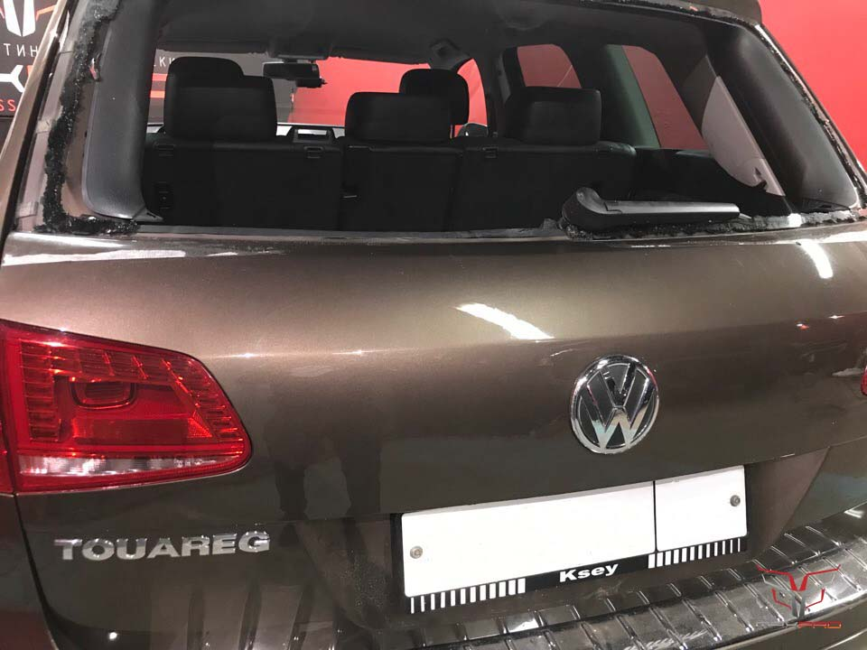 Крышка багажника Touareg