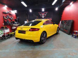 Ремонт вмятин на стойках Audi фото